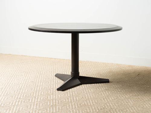 MERCEDES TABLE