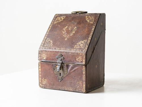 ANTIQUE LEATHER KNIFE BOX II