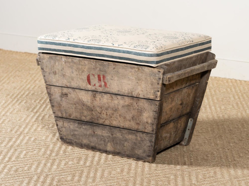 ANTIQUE CHAMPAGNE CRATE STOOL