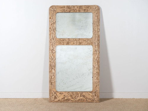 ANTIQUE CARVED OAKLEAF MIRROR