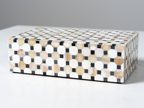 GEOMETRIC BOX MEDIUM