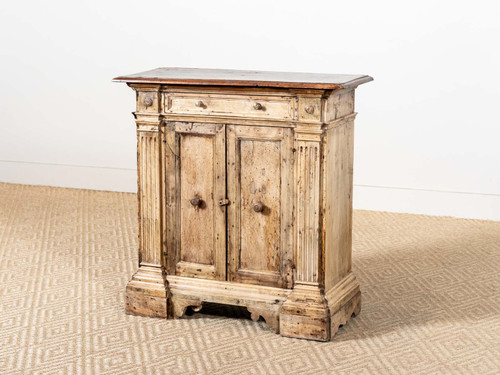 ANTIQUE SMALL FEDERAL CHEST