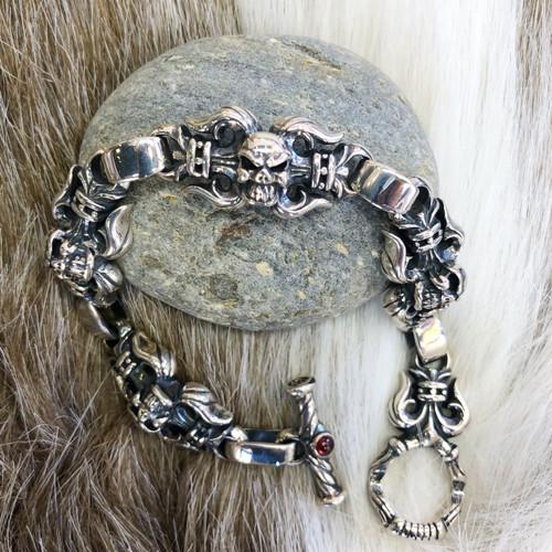 Grand Fleur-De-Lis Bracelet with Skull