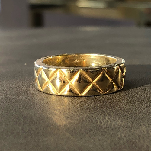 front picture of gold ring
