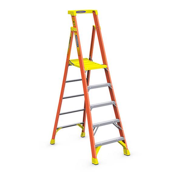 Werner PD6205   5 Ft Fiberglass Podium Ladder / Type IA 300 lb Rating