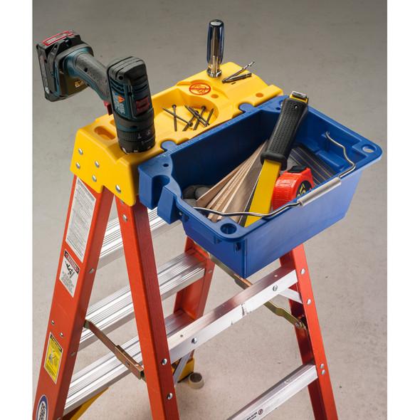 PROMO | Werner 6200 Series Fiberglass Stepladder | 300 lb Rated