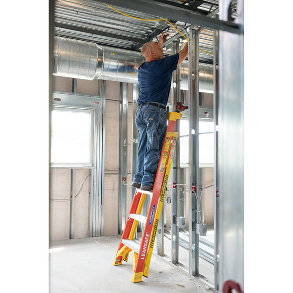 "Werner L6200 Series ""LEANSAFE"" Fiberglass Stepladder 