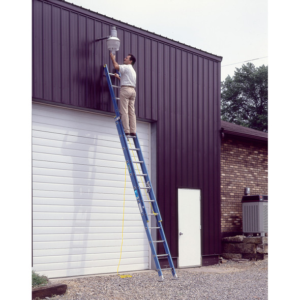 Werner D6000-2 Series Fiberglass Extension Ladder 250 lb rated