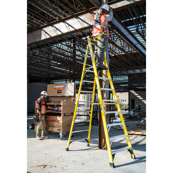 Werner PD7300 Series Fiberglass Podium Ladder | 375 lb Rated