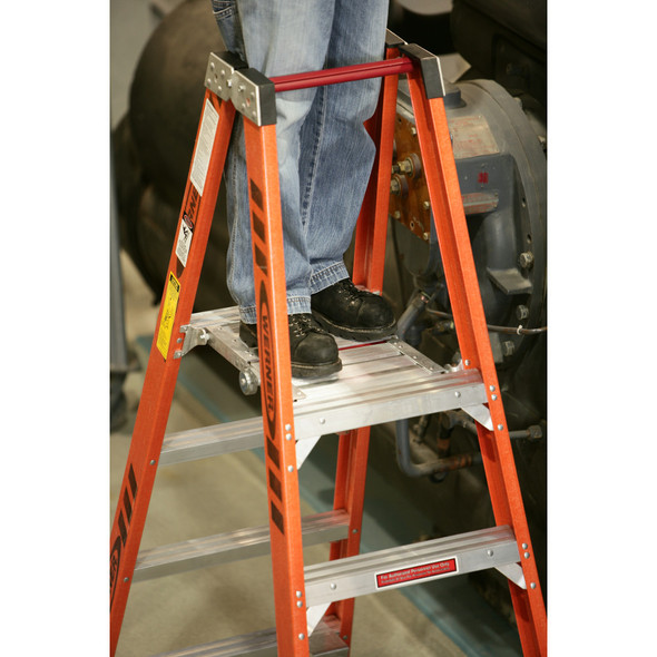 "Werner PT7400-4C Series"" Stockr's"" Fiberglass Ladder with CASTERS 