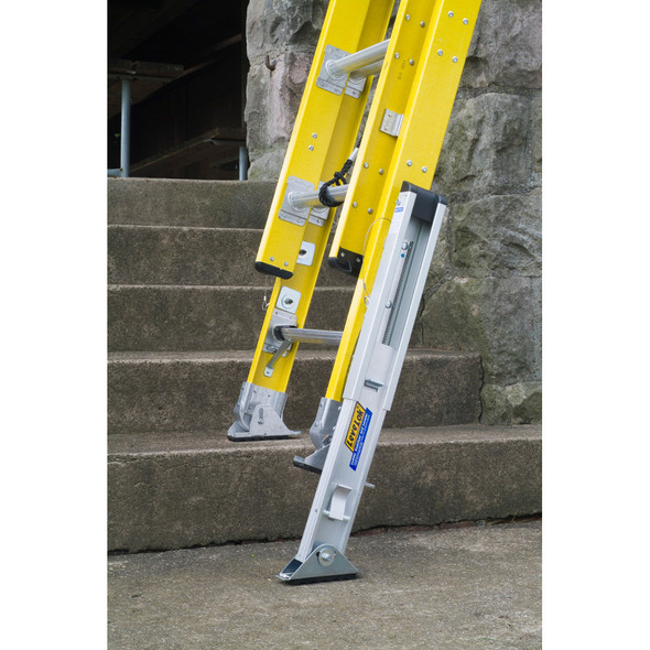 Werner LeveLok Extension Ladder Leveler Kit