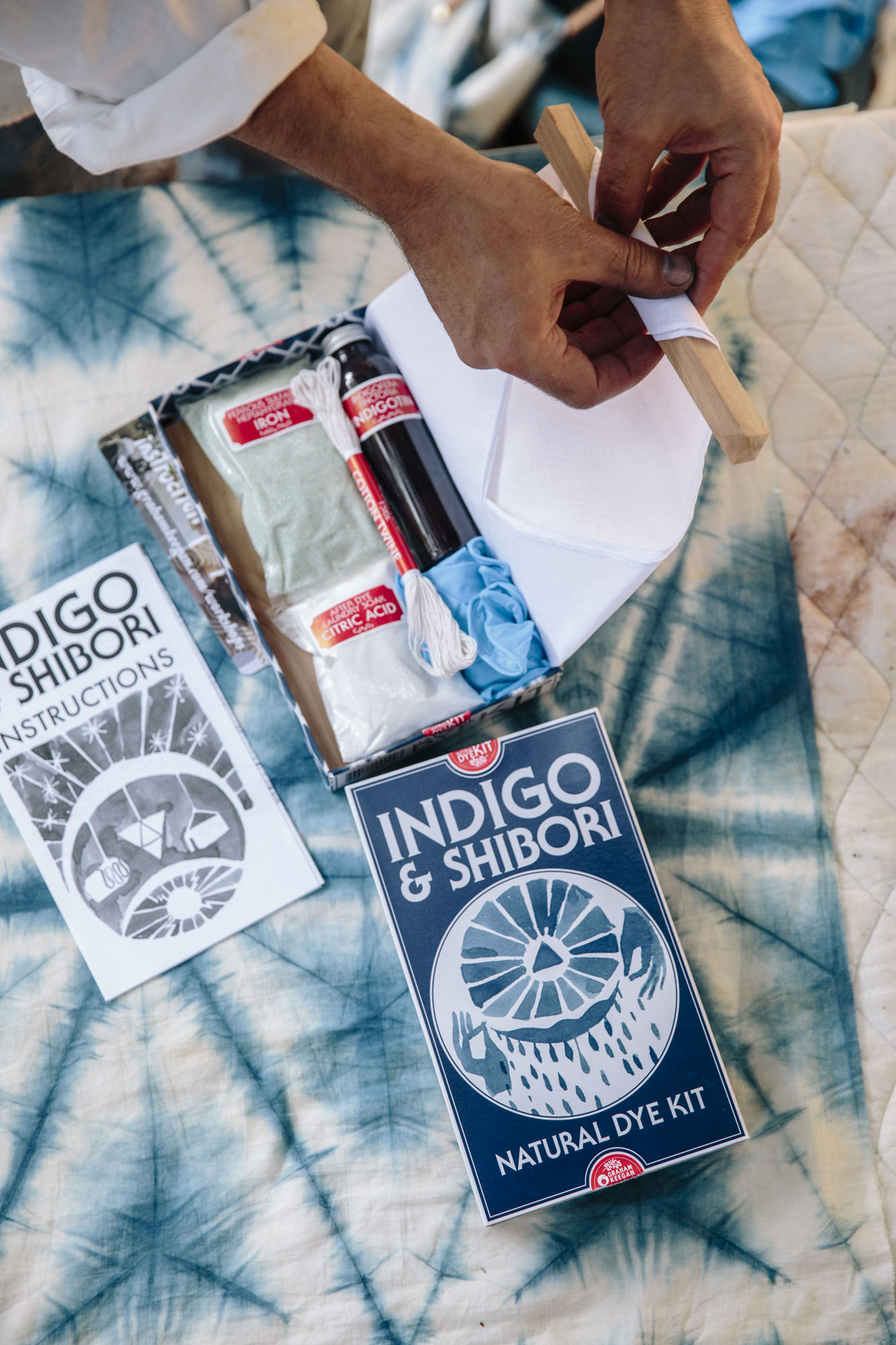 indigo + shibori natural dying kit