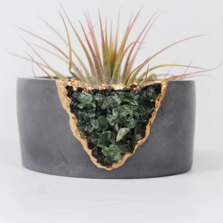 green apatite + cement planter