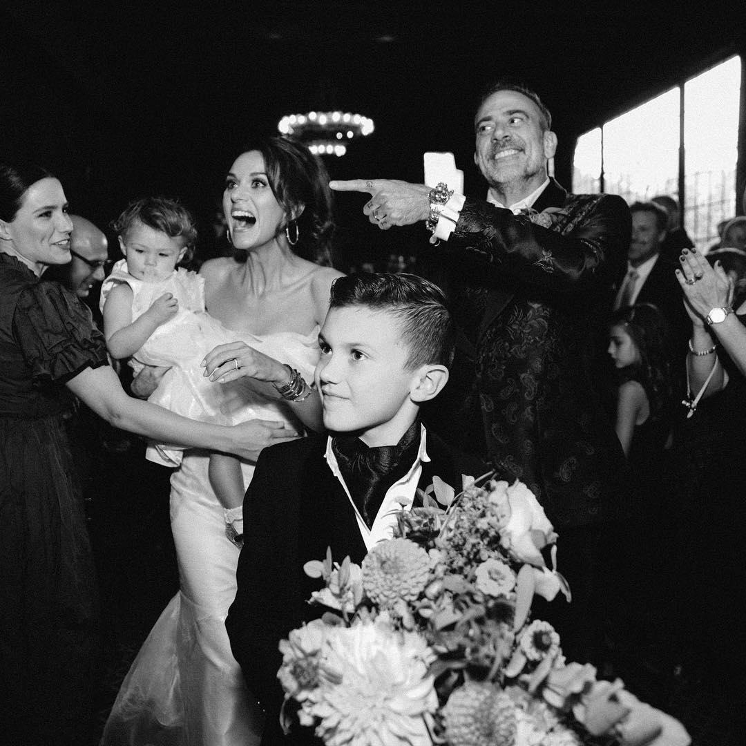 wedding-shot-jeffrey-dean-morgan-hilarie-burton-2.jpg