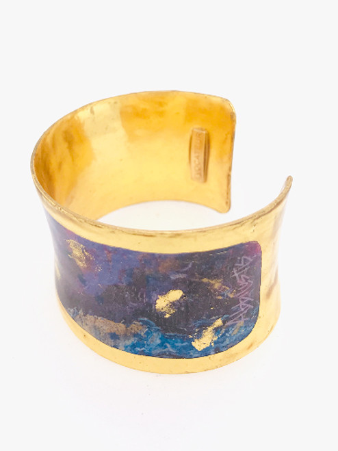 Centuries-old Italian hand-gilding technique that combines luxurious 22K gold leaf with enamel to create wearable, heirloom-quality works of art