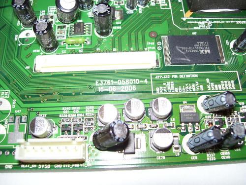 AKAI MAIN BOARD E3761-058010-4 / 771EL27AD04-04S