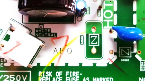 Emerson LF320EM4A Main board / Power Supply board BA4AFPG0201 1 / A4AFQUT
