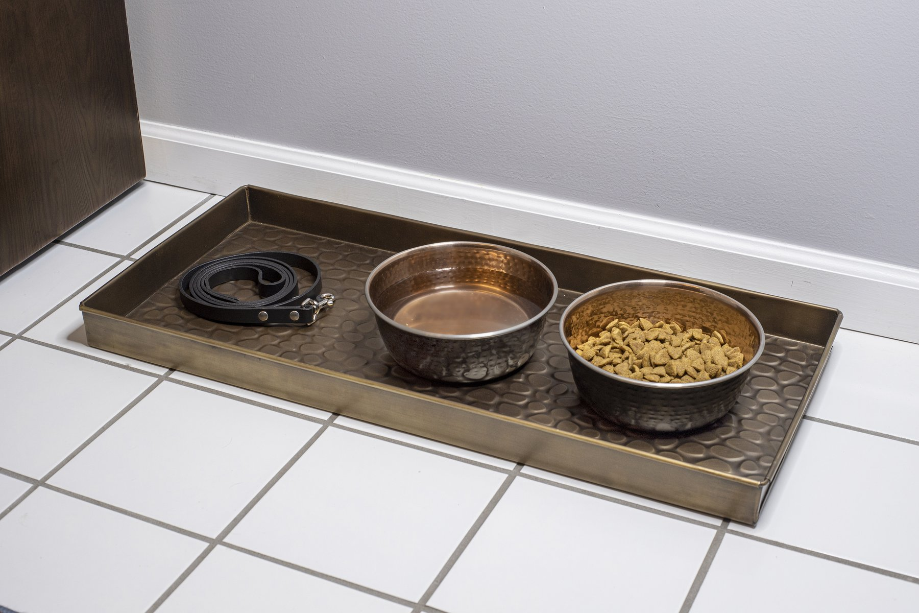 208br-pebbles-boot-tray-copperfinish-glam3-1800x1800.jpg