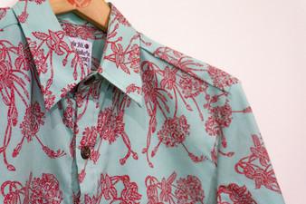 Nakeu Mens Aloha Shirt (Coral Hibiscus)