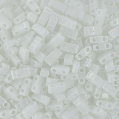 Half Tilas, Opaque White, Color 0402 (10 gr.)