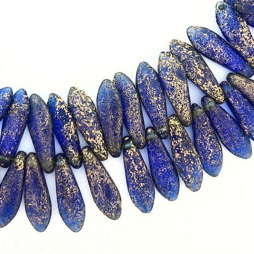 1-Hole Czech Glass Dagger Beads, Sapphire Blue w/ Etched Finish & Gold Wash (5 x 16mm) (Qty: 25)