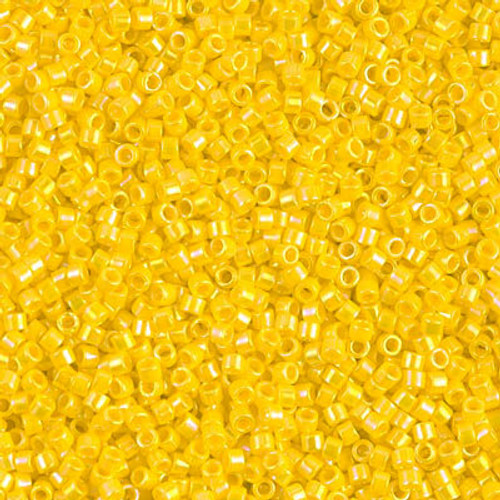 Size 11, DB-1572, Opaque Canary AB (10 gr.)