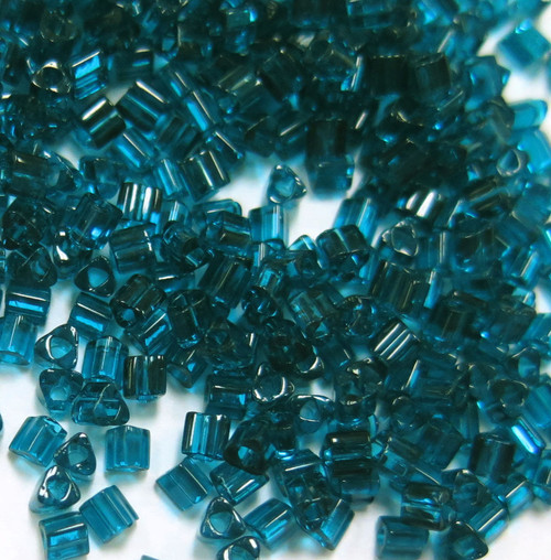 11-TRI-0007BD, Blue Zircon Transparent Triangles (28 gr.)