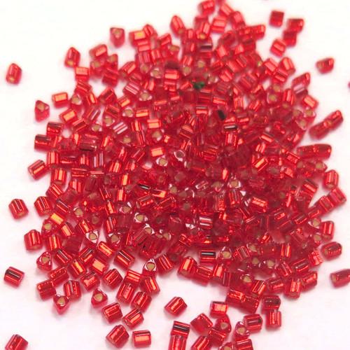 11-TRI-0025B, Silver-Lined Ruby Triangles (28 gr.)