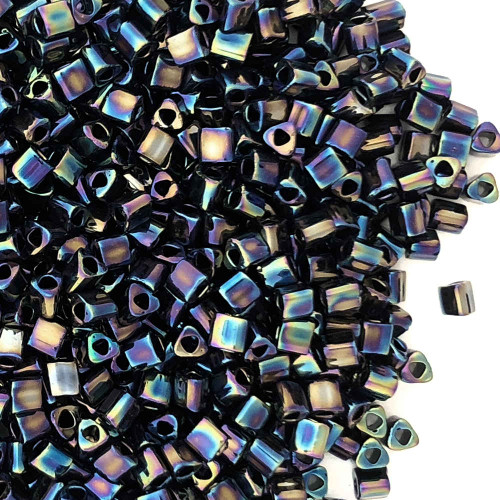 11-TRI-0086, Jet Black Iris Metallic Triangles (28 gr.)