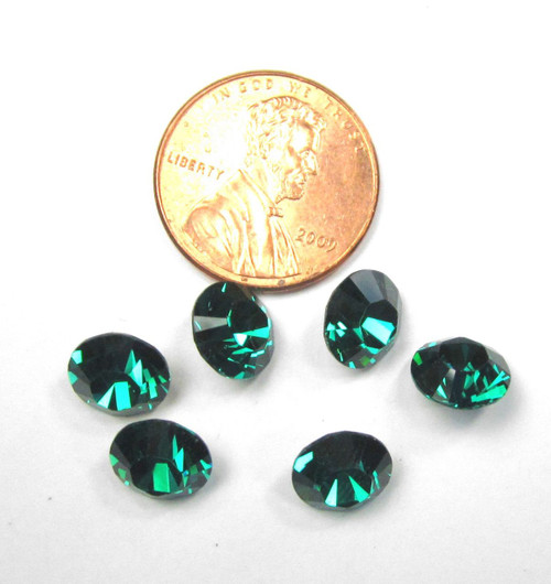 39ss (8mm) Chatons, Emerald (Qty: 6)
