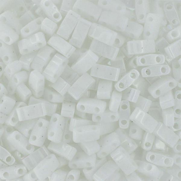 Half Tilas, Opaque White, Color 0402 (10 gr.)