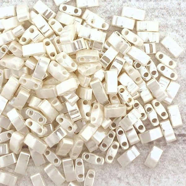 Half Tilas, Ivory Luster, Color 0592 (10 gr.)
