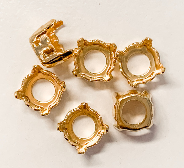 Gold-Plated Sew-On Settings for Swarovski 1088, SS39 Chatons (Qty: 6)