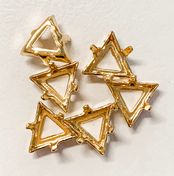 Gold-Plated Sew-On Settings for Swarovski 4722, 8mm Triangles  (Qty: 6)