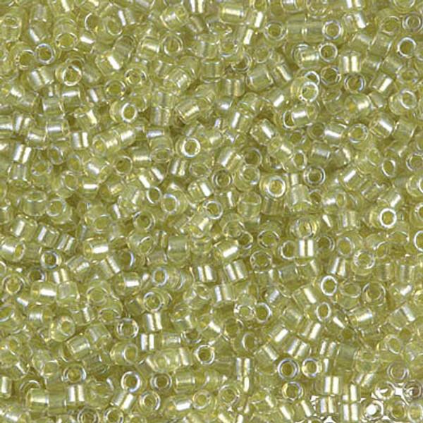 10-DBM-0903, Sparkling Celery-Lined Crystal (10 gr)