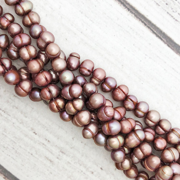 8-8.5mm Dark Lavender/Peach Fresh Water Pearls, Banded Potato (1 strand)