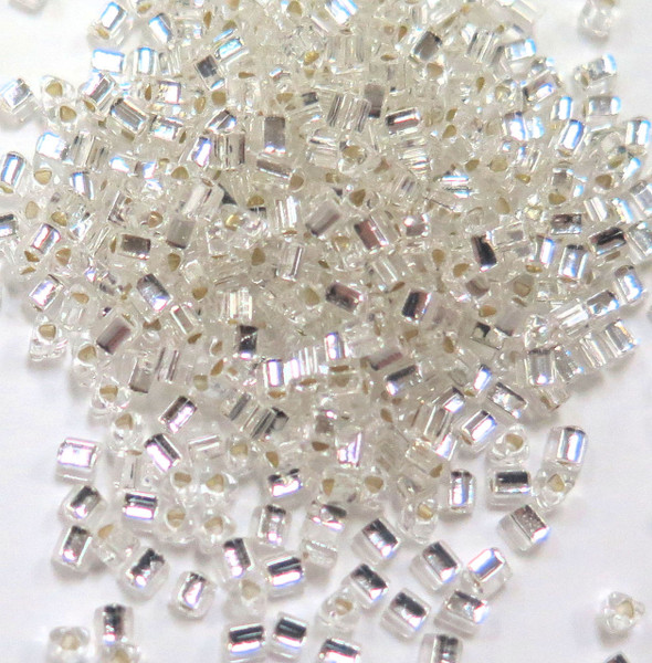 11-TRI-0021, Silver-Lined Crystal Triangles (28 gr.)