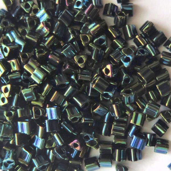 8-TRI-0084, Metallic Iris Green/Brown Triangles (28 gr.)