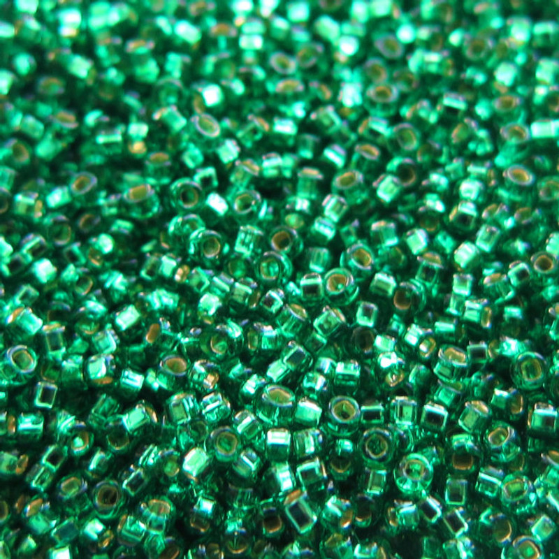 15-0017, Silver-Lined Emerald (14 gr.)