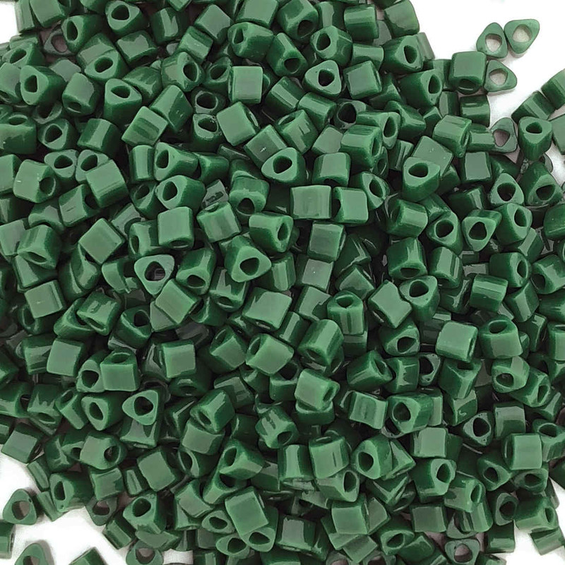 11-TRI-0047H, Forest Green Opaque Triangles (28 gr.)