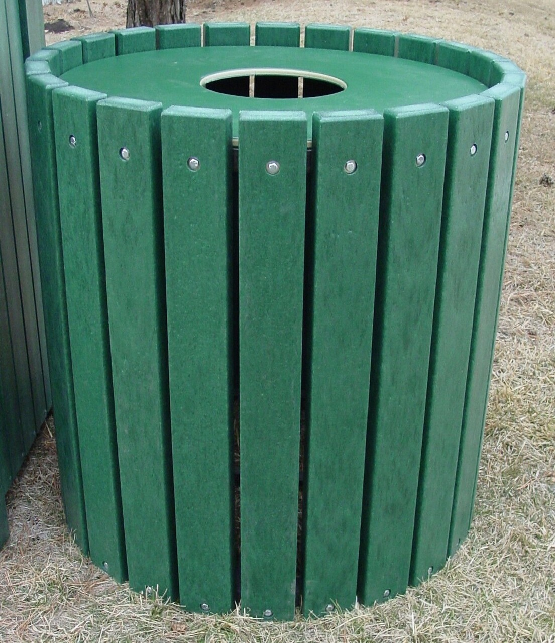 Heavy Duty Round Receptacle - 32 gallons