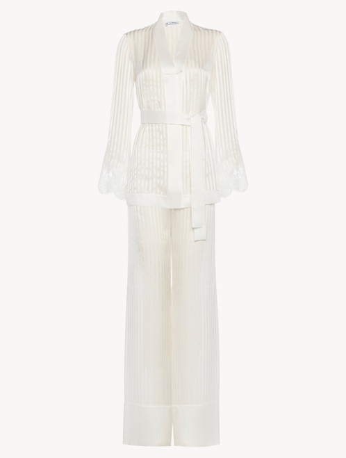 Pajamas in off-white silk with Leavers lace