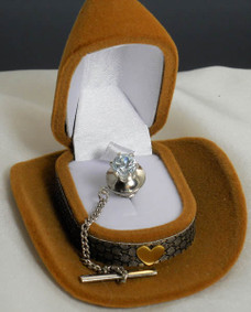 "Tie tac comes in this great ""cowboy hat"" jewelry box"