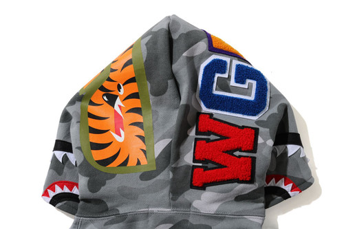 Picture No.6 of BAPE COLOR CAMO SHARK FULL ZIP HOODIE 1H30-215-504