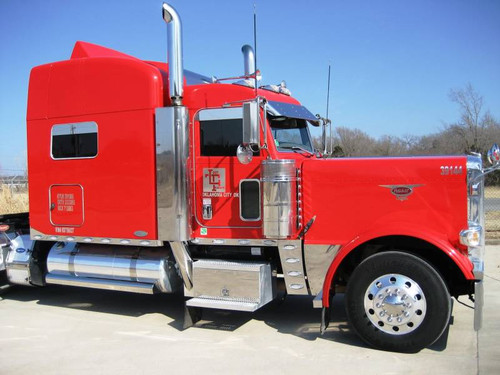 Emblem Accent Peterbilt Crossed Checkered Flags (Other Designs Available)