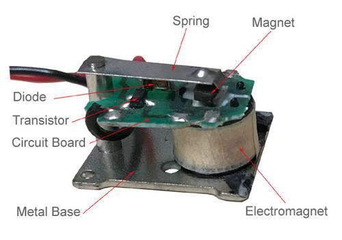 Inside the small buzzer BZRB3