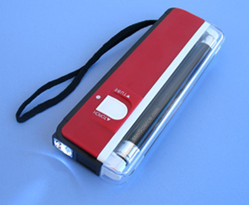 Portable UV light (Requires 4 AA Batteries)