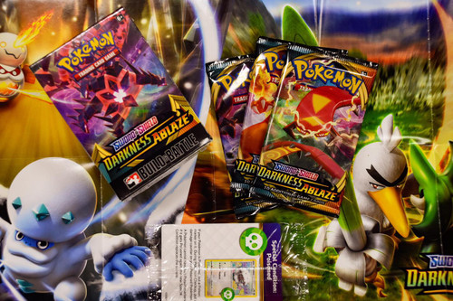 Pokemon: Darkness Ablaze Build & Battle Box