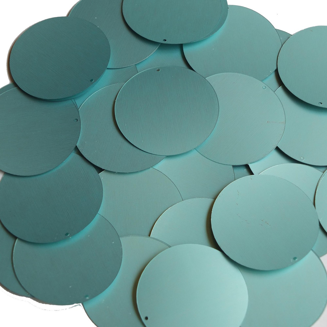 """Round Sequin 1.5/"""" Scallop Shell Ocean Sealife Opaque"""