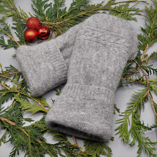 Recycled Wool Sweater Mittens, Felted & Fleece Lined, Heather Grey with Horizontal Cable Knit with Coordinating Cuff, Women's Regular Size, 1127